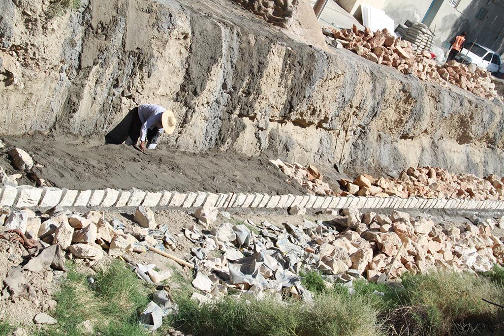 شهردار لار خبر داد: احداث ديواره سيل بند يكي ديگر از رودخانه هاي شهر لار