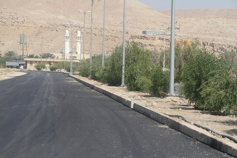 اتمام زيرسازي و آسفالت بلوار رحمت - (لاين خروجي دارالرحمه جديد شهر لار)  - 10 آبان ماه 95