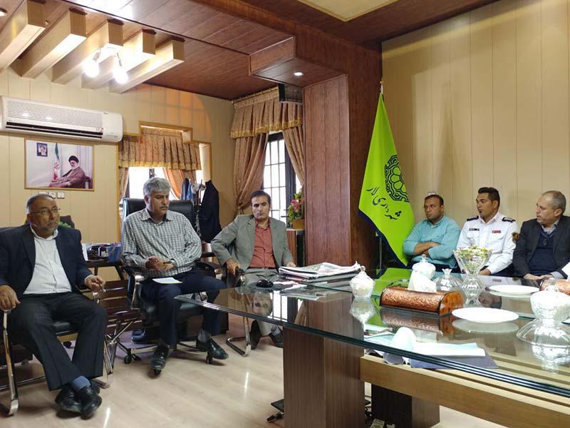 رئیس شورای اسلامی شهر لار: باتوجه به پتانسیل گردشگری این منطقه باید فضای شاد وسالم و امن برای مسافران فراهم کنیم