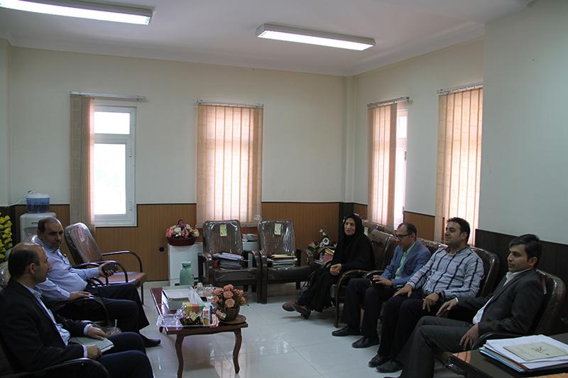 رئیس شورای اسلامی شهر لار در دیدار با رئیس دادگستری و دادستان لارستان: مسئولین باید با عمل به وعده ها زمینه امیدواری مردم به نظام را فراهم کنند