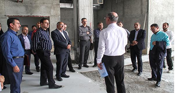 رئیس شورای اسلامی شهر لاردر بازدید ازکلینیک تخصصی و فوق تخصصی زنده یاد هاشمی زاده: برخورد پرسنل با بیماران امری مهم است