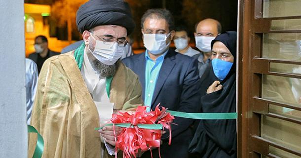 همزمان با عید بزرگ غدیر؛ نخستین آب نمای کف خشک موزیکال استان فارس در بوستان ملت شهر لار  به بهره برداری رسید